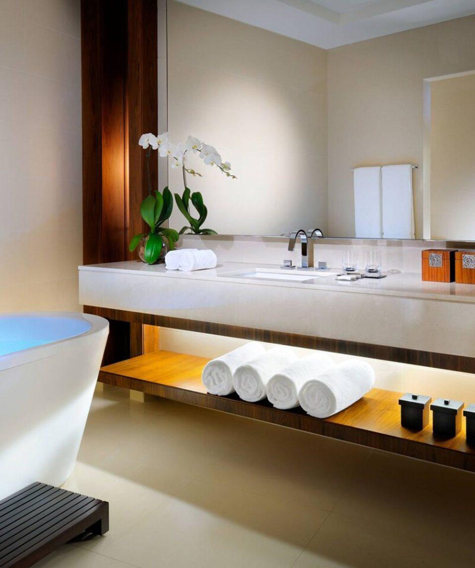 dxbjw-bathroom-0030-hor-clsc