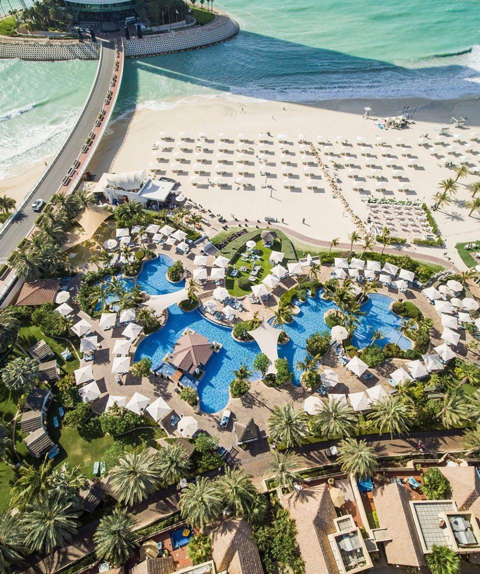 High_resolution_300dpi-Jumeirah Beach Hotel - Beit Al Bahar Villas - Executive Pool - Aerial - Drone