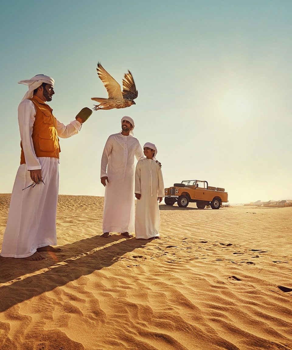 Desert_Falconary_Arab_Fam